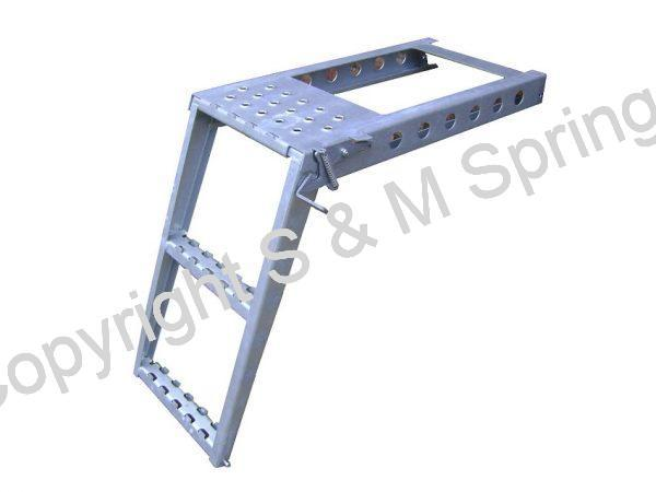 1081378 SCHMITZ 2 Step Ladder