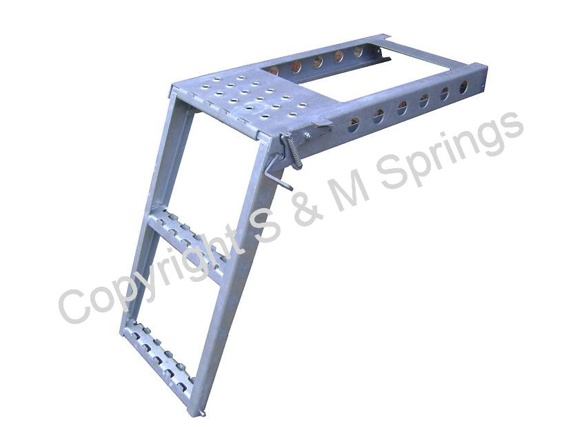 1081378 SCHMITZ 2-Step Ladder