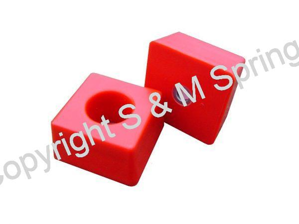 1455837 FODEN Bump Stop Rear Single Stud (Red)